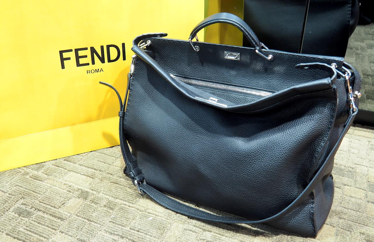 5a64072f4e Fendi Black  Selleria Peekaboo  Tote Bag